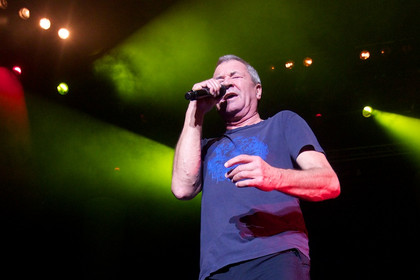 konzert vor sechstausend fans - Fotos: Deep Purple live in der o2 World Hamburg